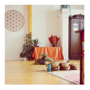 Yoga lernen im Yoga Akademie mit Freude